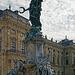 Der Franconia-Brunnen auf dem Residenzplatz in Würzburg