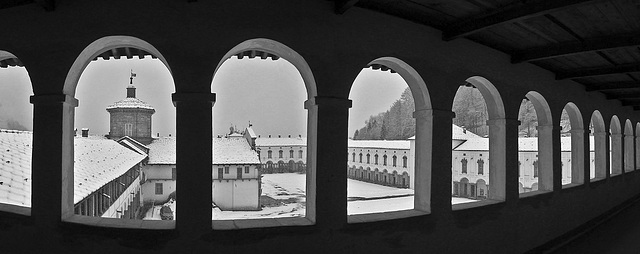 The snowfall from the cloister
