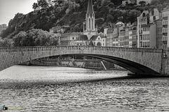 Pont Bonaparte, enjambe la Saône à Lyon