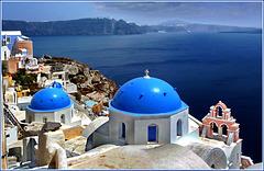 Santorini : Oia vista da nord, laggiù Thira - (1005)