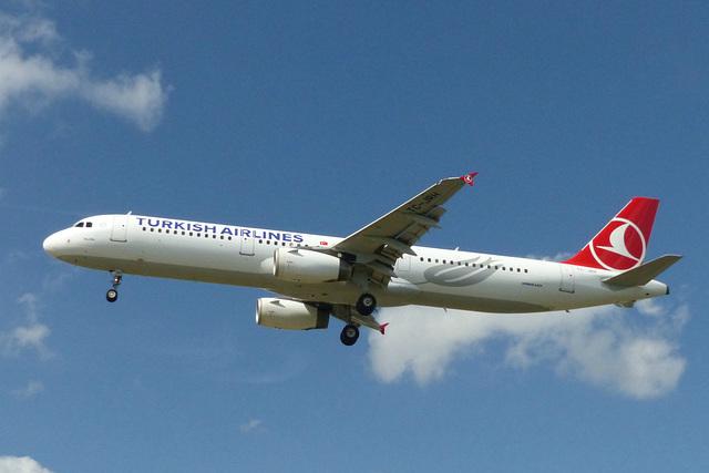 TC-JRH approaching Heathrow - 6 June 2015
