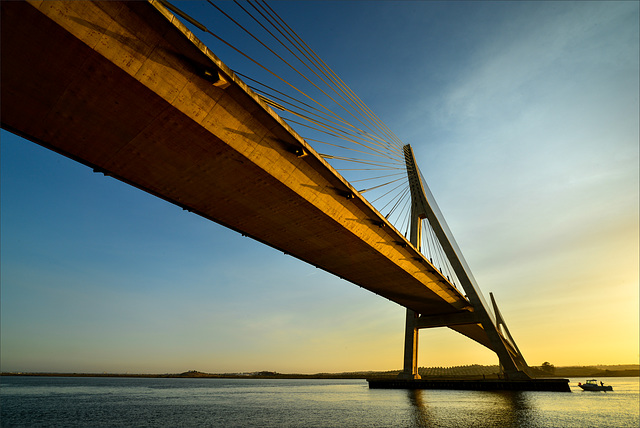Ponte Internacional do Guadiana, estructura.