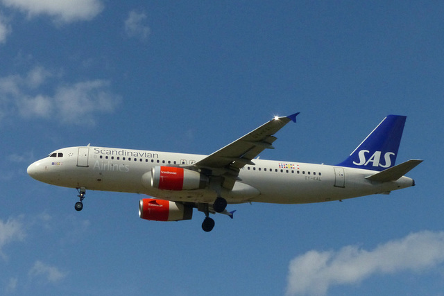 OY-KAL approaching Heathrow - 6 June 2015