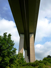 DE - Bad Neuenahr - Ahrtal bridge from below