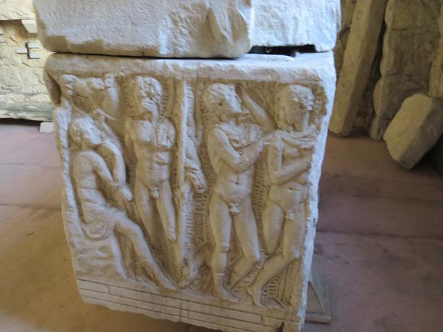 Musée archéologique de Split : jeunes hommes nus.