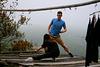 Baimashan : étirements du matin pour les long-boarders