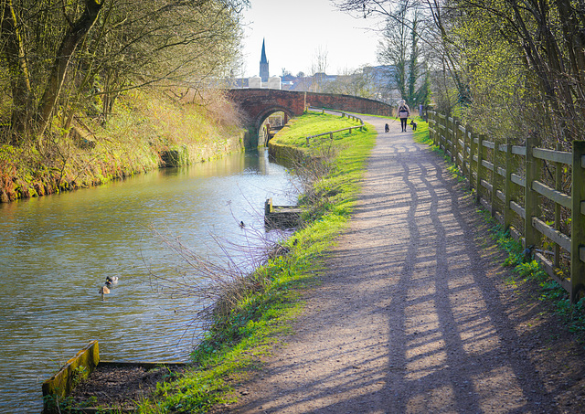 A  ''HFF''  to everyone..... from  Dj......Chesterfield canal side walk.