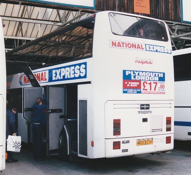 Western National M101 ECV in Victoria Coach Station, London - 29 Nov 1997