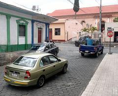Deux taxis passèrent par là