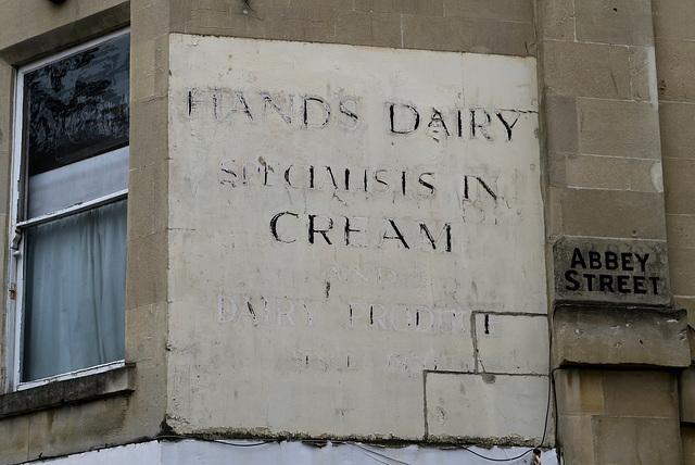 IMG 6525-001-Hands Dairy Ghostsign