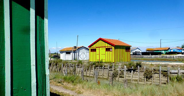 Les cabanes de Fort  ROYER...