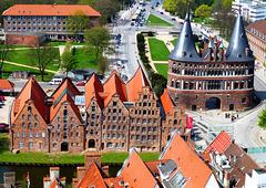 DE - Lübeck - Holstentor and Salt Houses, seen from St. Petri