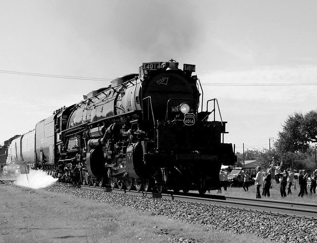 4014 Big Boy Pass-By (BW)