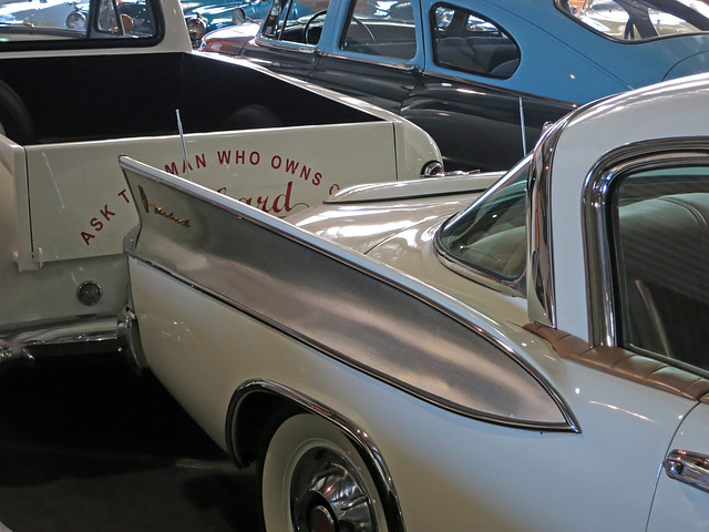 1958 Packard Hawk Fin (0089)