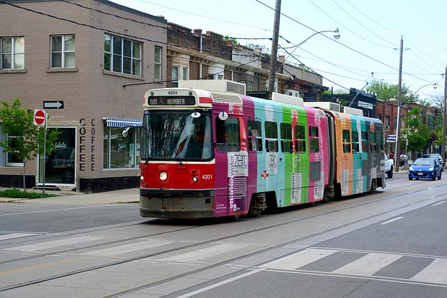 Canada 2016 – Toronto – Colourful tram