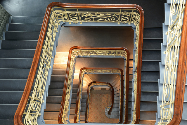 HFF: Das Treppenhaus im Holstenhof (2xPiP)