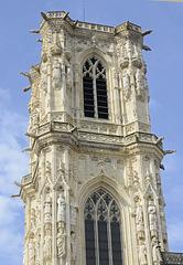 tour de la cathédrale de Nevers restaurée