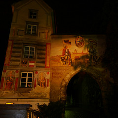 Steyr, Burgtor bei Nacht / Castle gate at night