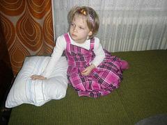 Lili estas 4 jara - éves