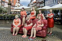 Christel Lechner: Rotes Sofa (HBM and PiP)