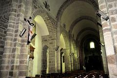 Nef de l'église de Bénévent-l'Abbaye