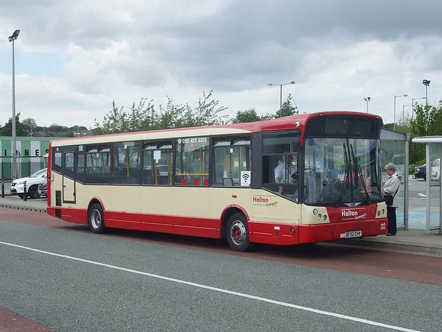 DSCF7696 Halton Borough Transport 32 (DF02 EHY) in Widnes - 15 Jun 2017