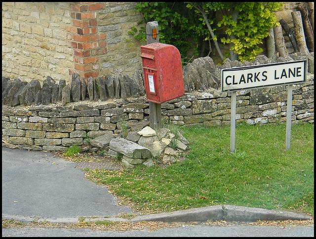 Long Compton post box