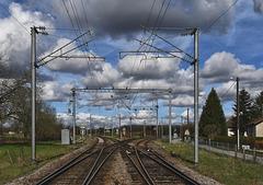 ARC ET SENANS (25) Ballade aux Salines: aiguillage:A gauche: Dole, Paris, à droite: Besançon, Strasbourg.