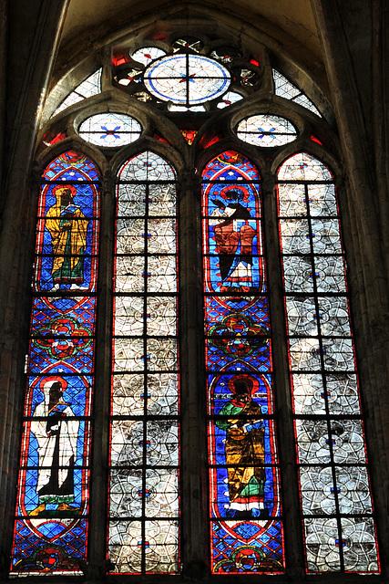 Vitraux de l'église St-Pierre de Chartres