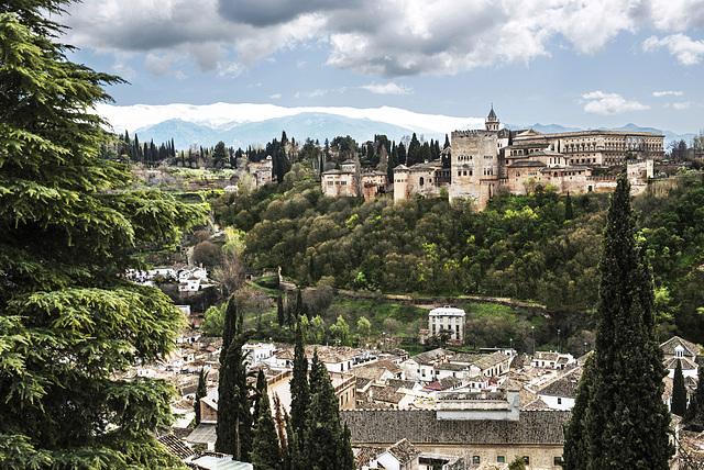 Alhambra de Granada (ver sobre fondo negro) Postal 1