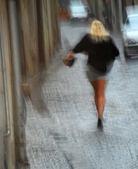 Das Mädchen im Regen