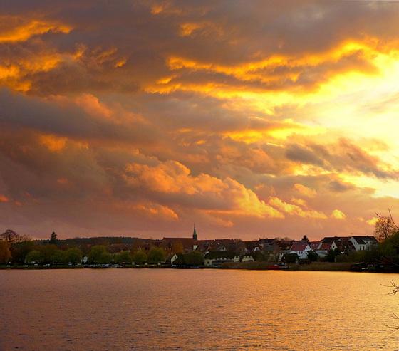 Wilder Sonnenuntergang