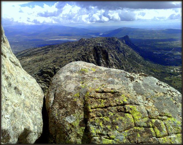 Along the ridge. La Sierra de La Cabrera. H. A. N. W. E. everyone!