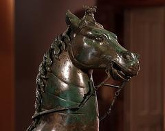 Le cheval en bronze de Neuvy-en-Sullias