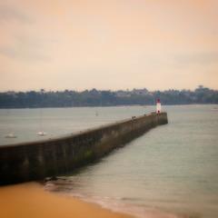 Le phare et sa jetée