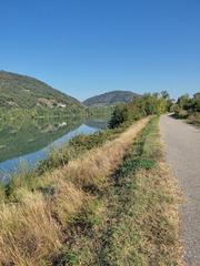 Le Rhône , tranquille