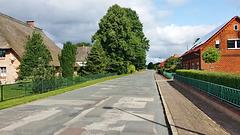 Neu Lüblow ist ein Straßendorf.