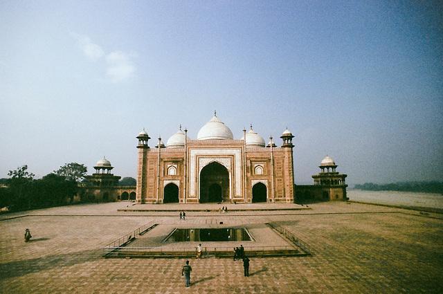 Less popular corner of Taj