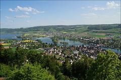 Stein am Rhein mit der Inselgruppe Werd im Untersee, dahinter Eschenz