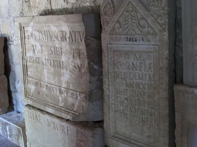 Musée archéologique de Split : deux inscriptions.
