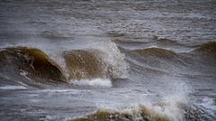 Waves at new Brightonvz
