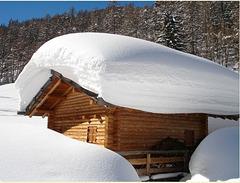Datcha sous la neige_________EXPLORER