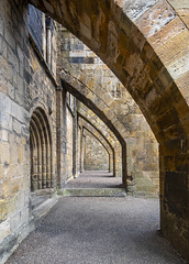 Dunfermline Abbey, Buttresses