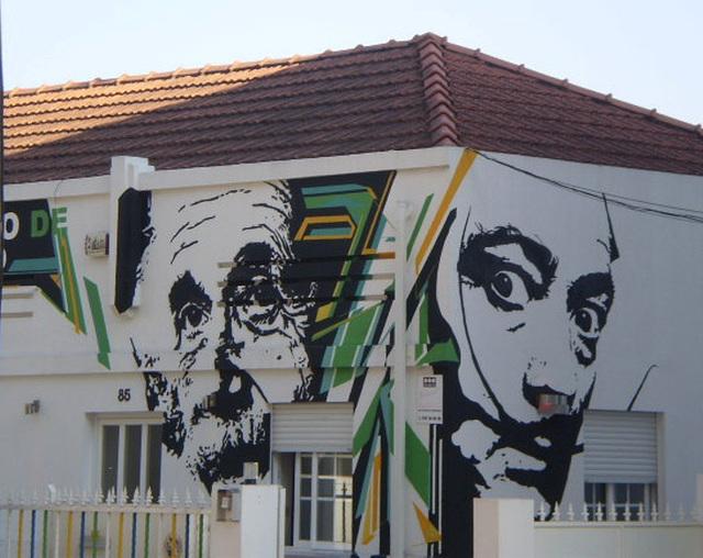 Albert Einstein and Salvador Dalí.