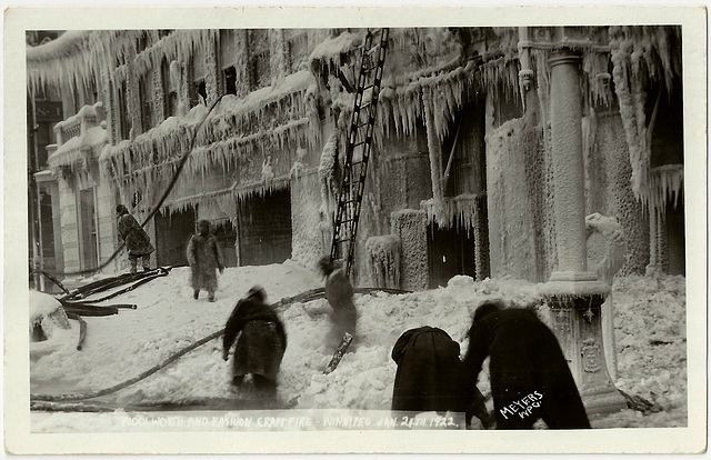 WP2042 WPG - WOOLWORTH AND FASHION CRAFT FIRE JANUARY 24TH 1922 (BLUR)