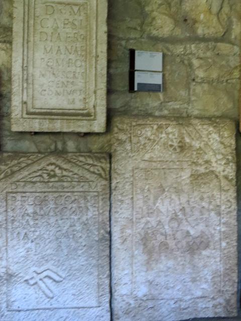 Musée archéologique de Split : trois inscriptions.