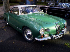 Volkswagen Karmann Ghia (1958).