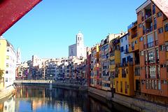 ES - Girona - Häuser am Onyar