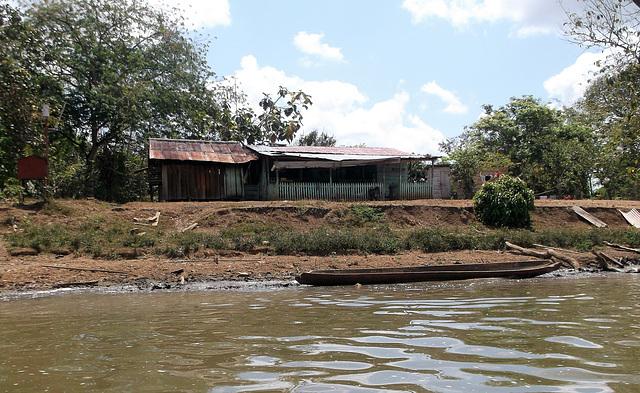 Voguant tranquillement sur la rivière San Juan