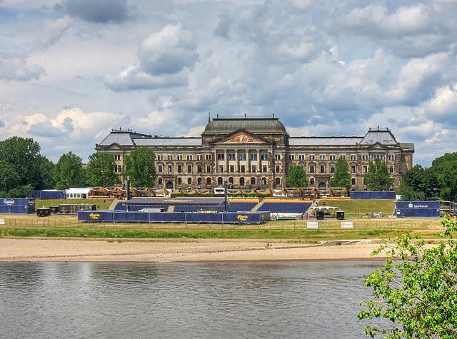 Blick zum Sächsischen Staatsministerium